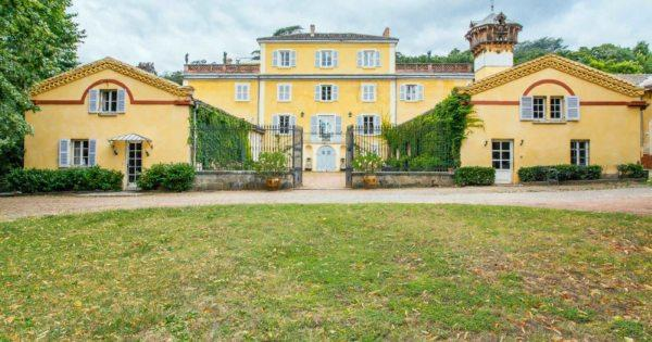 beautiful-estate-for-sale-saint-genis-laval-veranda-garden-swimming-pool