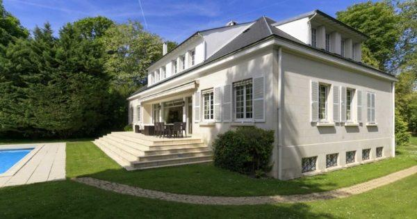 elegant-family-house-for-sale-rueil-malmaison-backyard-swimming-pool-garage-wine-cellar