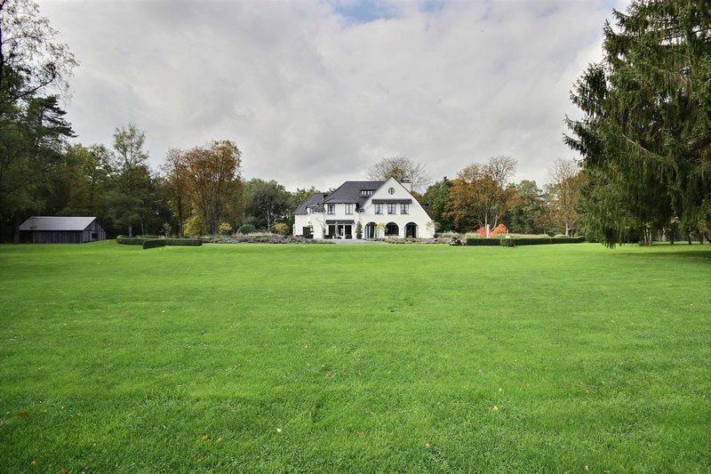 exceptionnel-manoir-a-vendre-overijse-espaces-reception-vues-parc-piscine-court-tennis-garages