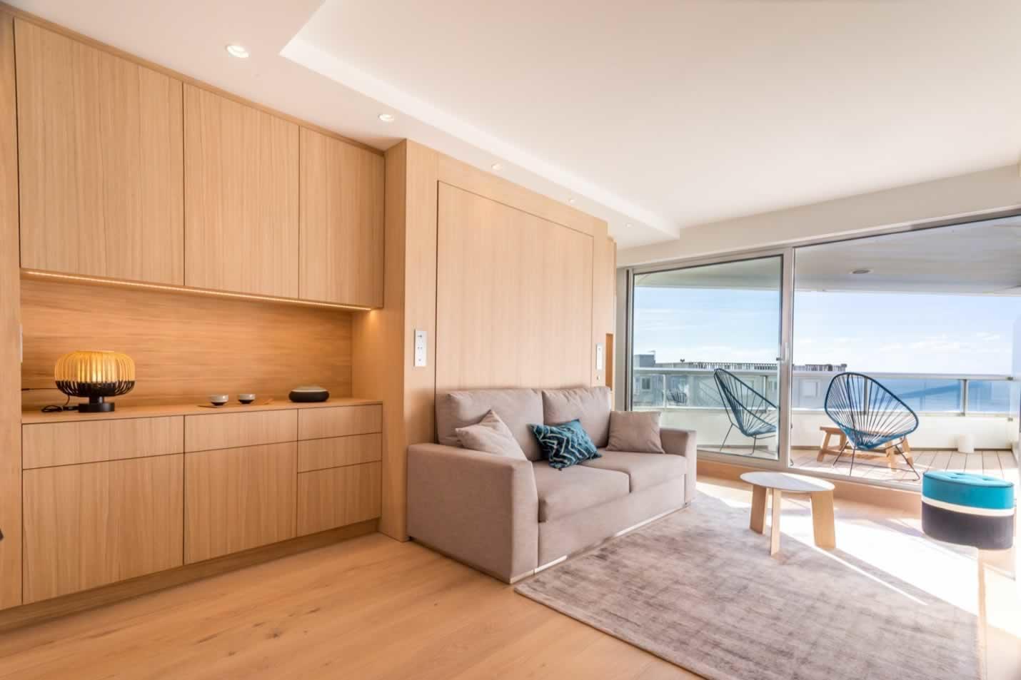 magnifiquement-studio-renove-a-louer-biarritz-miramar-meubles-de-grand-standing-belle-terrasse-vue-imprenable-mer