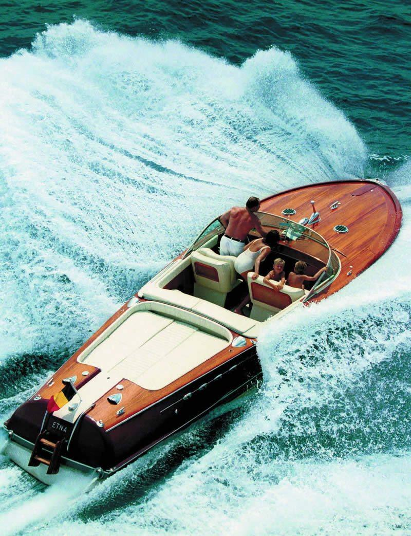 riva-luxury-yachts-symbol-dolce-vita-Mediterranean-Italian-know-how