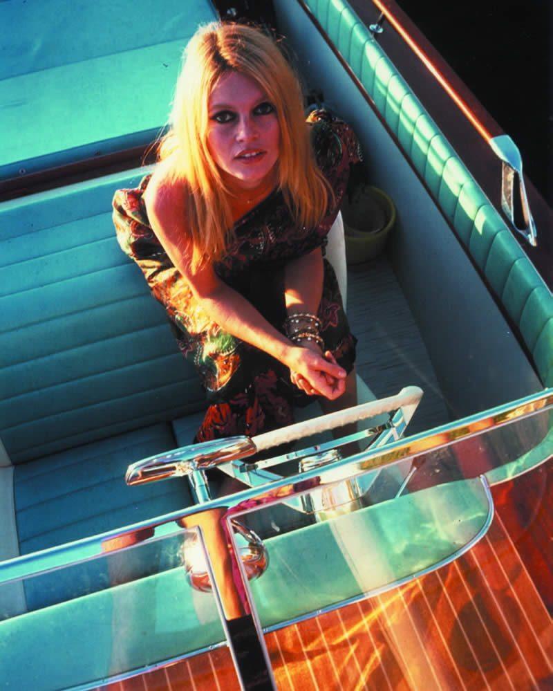 riva-yachts-luxe-symbole-dolce-vita-mediterranee-savoir-faire-italien