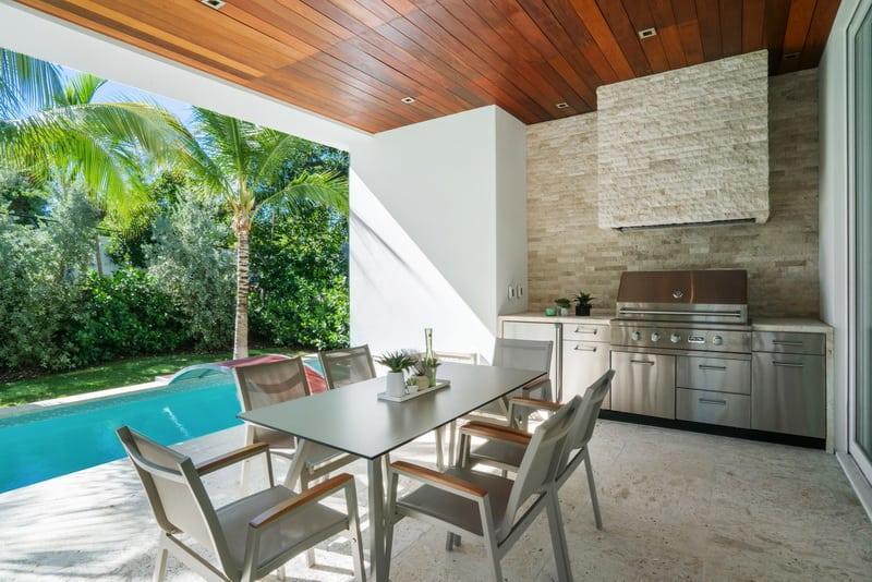 superbe-maison-grand-terrain-a-vendre-piscine-chauffee-terrasses-jardin