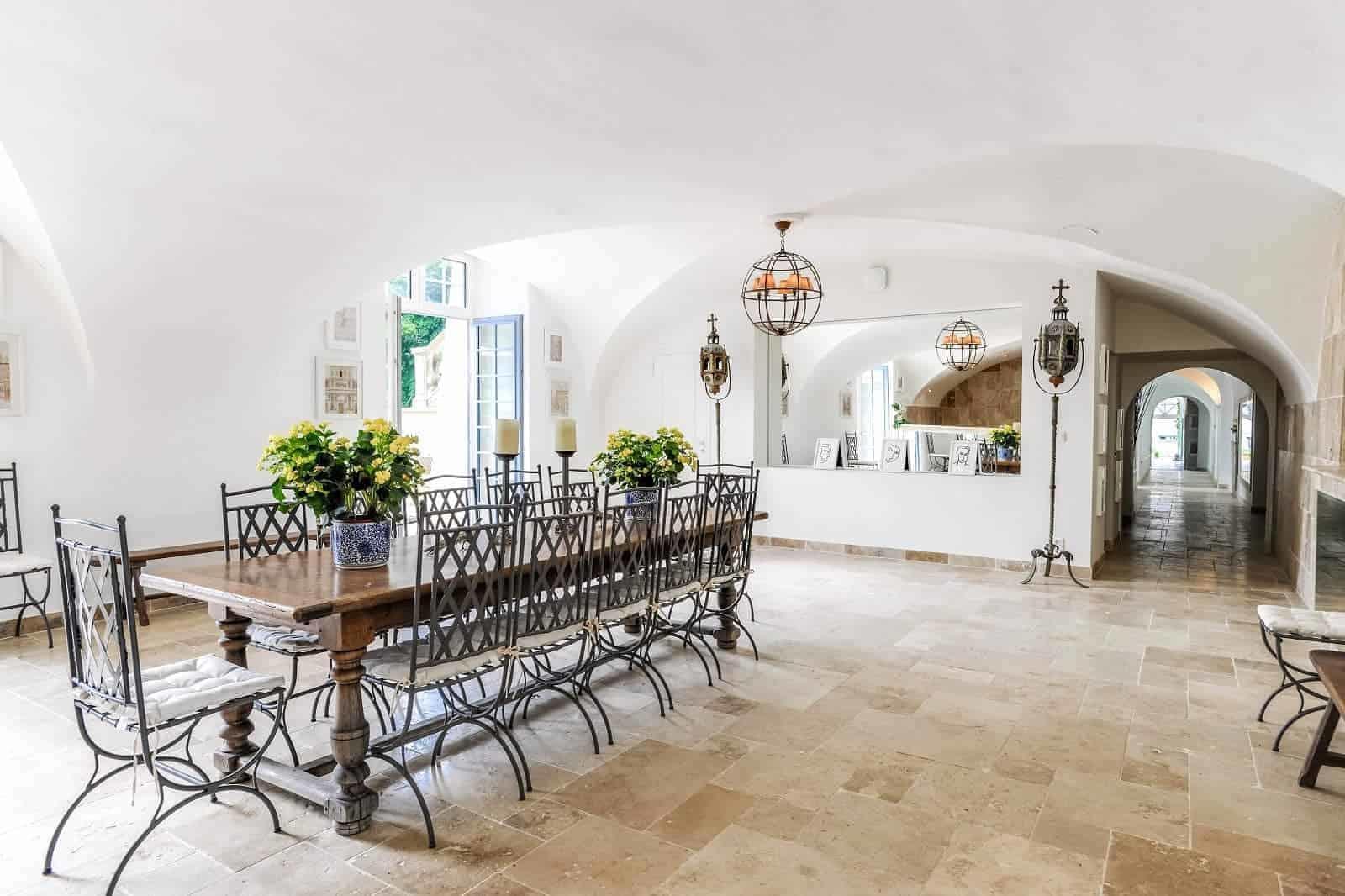 chateau-hotel-renove-a-vendre-caen-normandie-piscine-interieure-exterieure-spa-terrasse-pavillon-chasse
