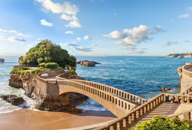 biarritz-france-destination-essor-immobilier-luxe