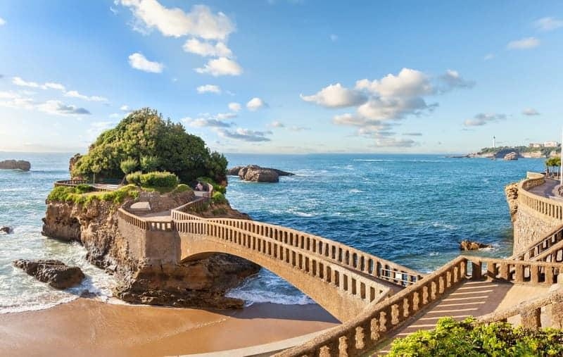 biarritz-france-destination-essor-immobilier-luxe