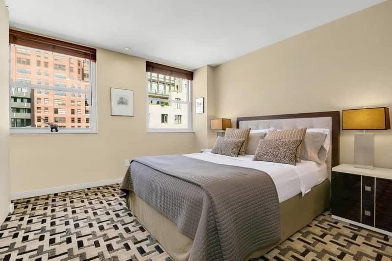 penthouse-duplex-terrasse-west-village-a-vendre-escalier-terrasse-vue-imprenable