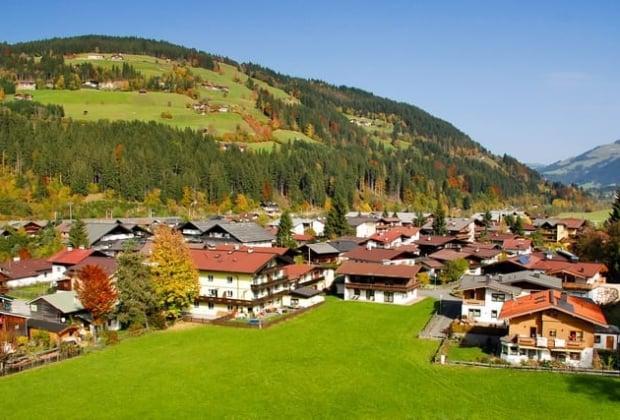 top-5-destinations-montagne-residence-secondaire-alpes-autrichiennes-kitzbuhel-lech-zurs-am-arlberg-tendances-perspectives-2018