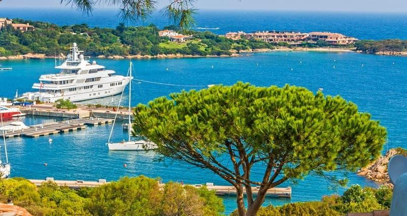 top-5-destinations-recherchees-bord-de-mer-residence-secondaire-porto-cervo-tendances-perspectives-2018