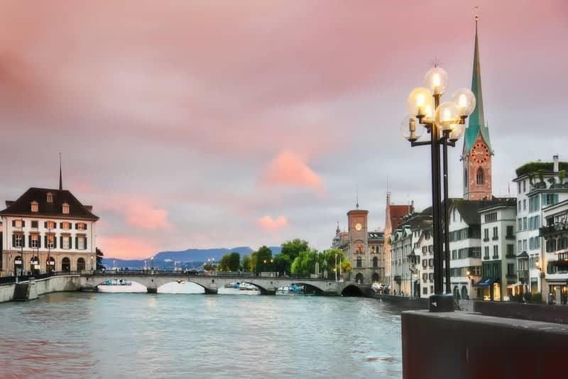 zurich-suisse-destination-essor-immobilier-luxe