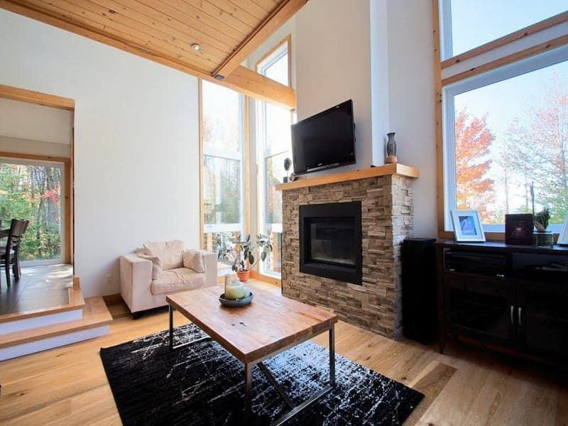 belle-maison-style-contemporain-a-vendre-lac-brompton-balcon-garages-grand-terrain
