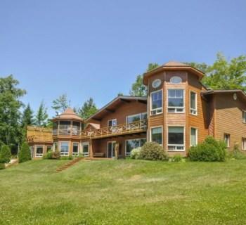 luxury-chalet-for-sale-shores-lake-ouareau-lanaudiere-region-terrace-jacuzzi-sauna