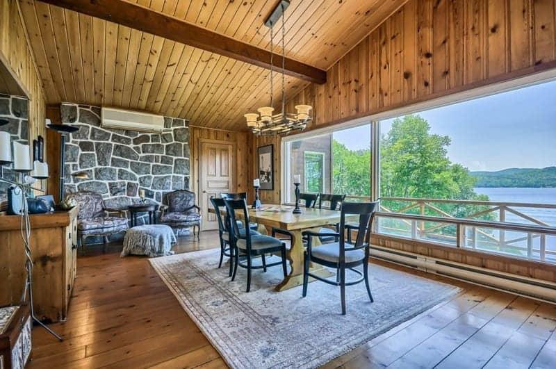 grand-chalet-luxueux-a-vendre-lac-ouareau-lanaudiere-terrasse-jacuzzi-sauna