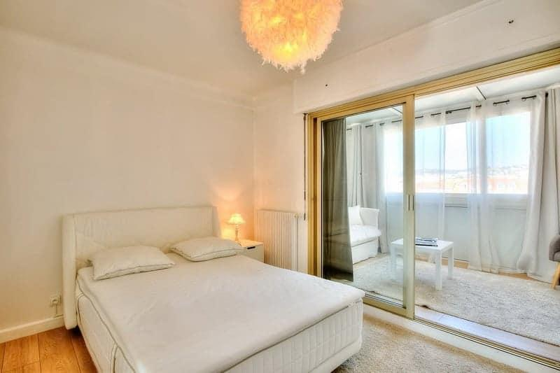 lumineux-appartement-a-vendre-croisette-terrasse-cave-parking