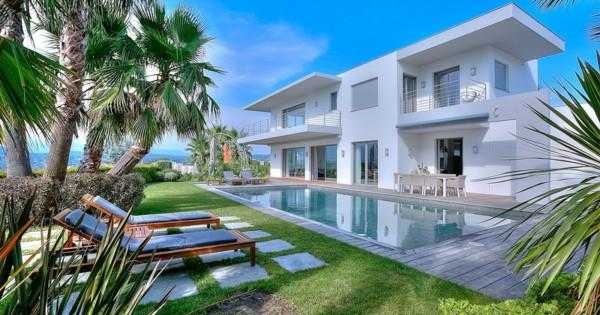 contemporary-villa-for-rent-croix-des-gardes-swimming-pool-panoramic-view
