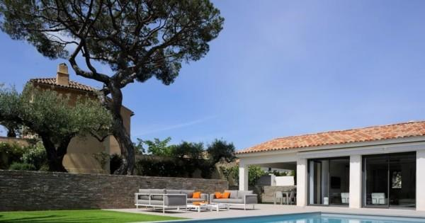villa-design-contemporain-a-louer-piscine-barbecue-garage