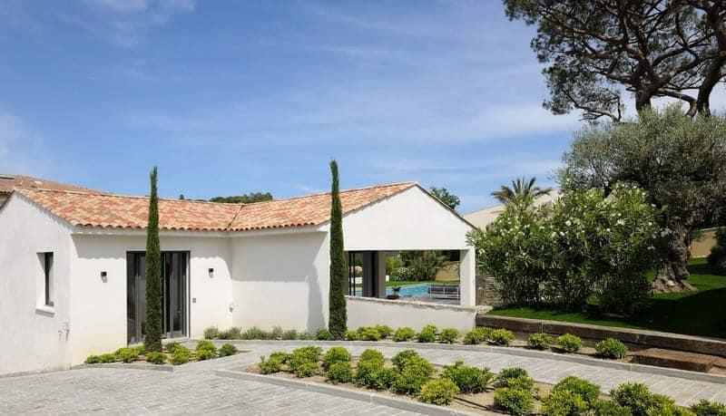 Contemporary Design Villa For Rent In The Center Of Saint Tropez 5