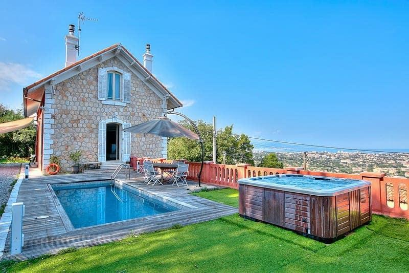 unique-villa-lighthouse-for-rent-vallauris-terrace-swimming-pool-parking