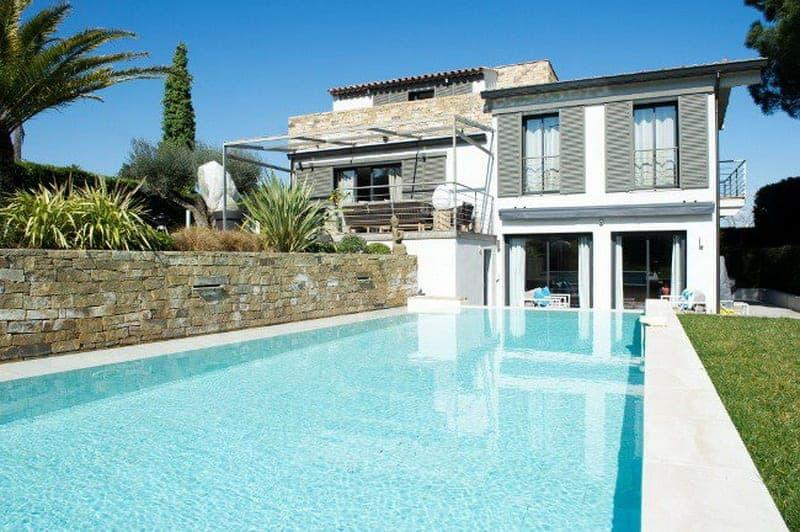 charming-contemporary-villa-for-rent-valfere-residential-terrace-heated-swimming-pool-petanque-court