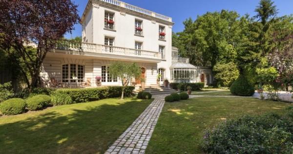 elegant-20th-century-house-for-sale-garches-garden-fireplace-veranda