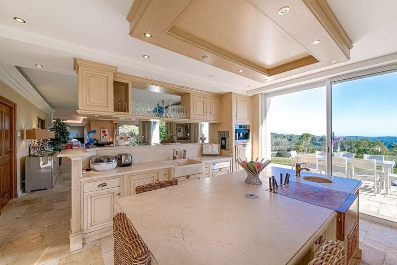 grande maison luxueuse de 6 chambres louer mougins dans un quartier tr s r sidentiel ForMaison Luxueuse A Louer