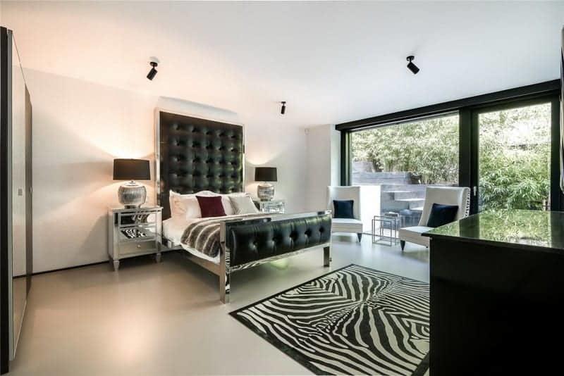 residence-design-contemporain-huf-haus-a-vendre-richmond-park-jardin-chauffage-sol-garage-double