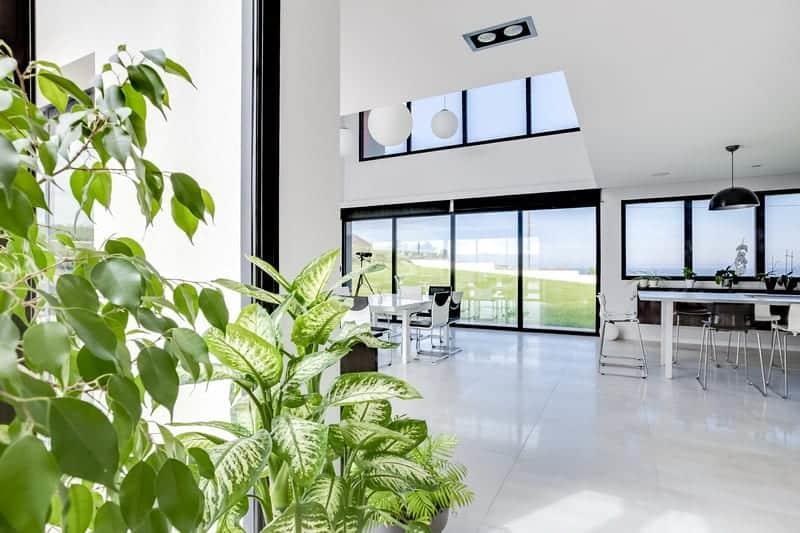 splendide-maison-architecte-vue-mer-a-vendre-arromanches-les-bains-piscine-chauffee-grande-terrasse-cheminee-garage