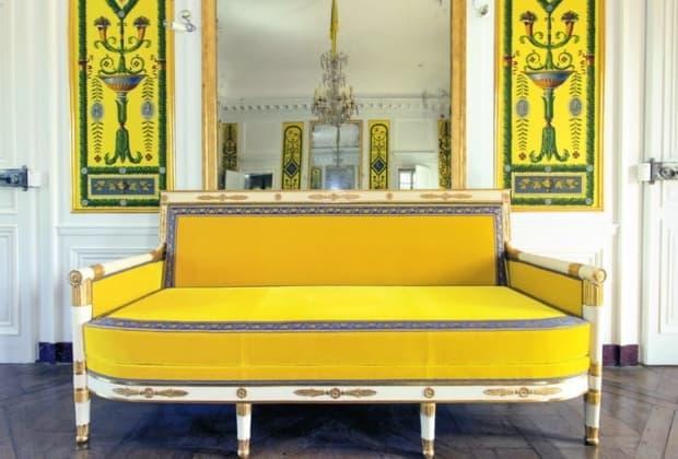 tassinari-chatel-designs-weaves-fine-silk-unique-fabrics-french-know-how
