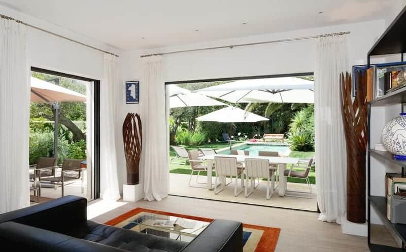 villa-a-louer-piscine-chauffee-jardin-terrasse-privative-parking
