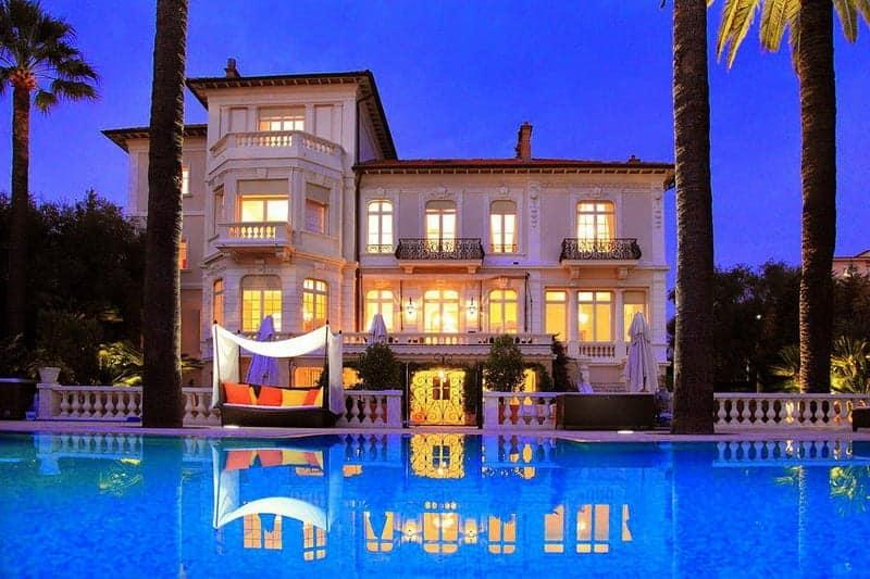 historical-4-floor-villa-for-rent-billiard-room-terrace-infinity-pool-fireplaces