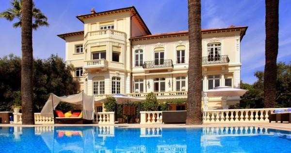 historical-4-floor-villa-for-rent-billiard-room-terrace-infinity-pool-fireplaces