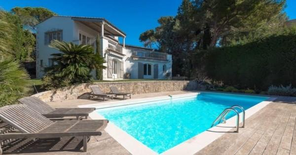 exceptional-villa-panoramic-sea-view-for-rent-famous-area-swimming-pool-garden-garage