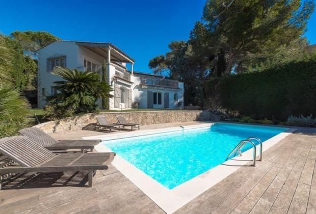 villa-vue-mer-panoramique-a-louer-quartier-repute-super-cannes-jardin-piscine-garage