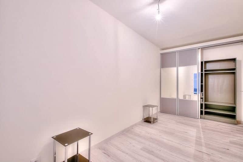 tres-bel-appartement-a-vendre-cuisine-americaine-equipee-cour-interieure-privee
