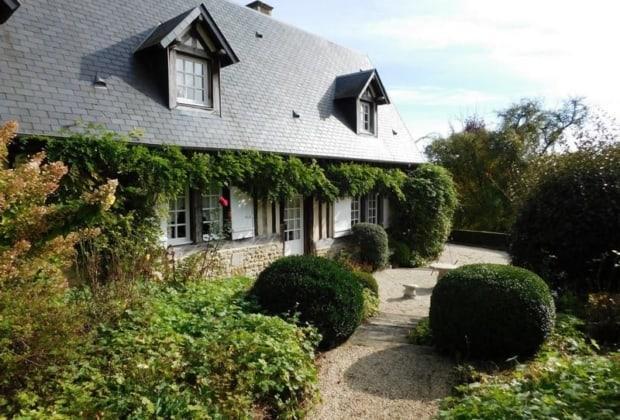 Charmante Maison Normande Du Xviiie Siecle A Vendre A Lisieux Dans Le Pays D Auge 3 Chambres Cheminee Terrasse Plein Sud