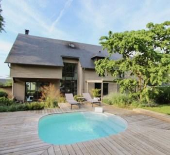 designer-house-for-sale-honfleur-fireplace-terrace-mezzanine-heated-swimming-pool