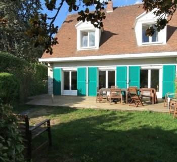 belle-maison-a-vendre-villennes-sur-seine-cheminee-cellier-garage-buanderie