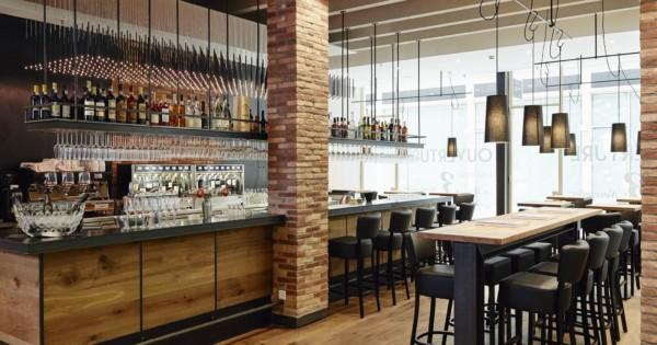 chez-philippe-trendy-authentic-restaurant-grill-house-philippe-chevrier