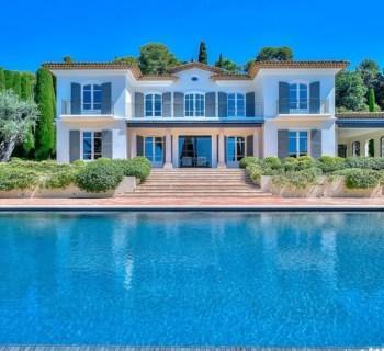 propriete-haut-standing-a-vendre-parc-paysager-piscine-debordement-vue-esterel