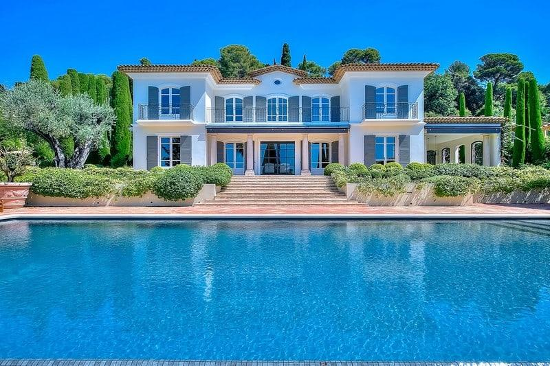 very-high-end-property-for-sale-landscaped-garden-infinity-pool-panorama-esterel