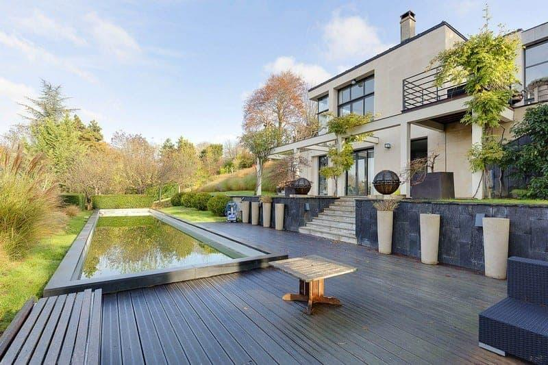 tres-belle-maison-architecte-a-vendre-rueil-malmaison-terrasse-cheminee-cave-piscine-chauffee