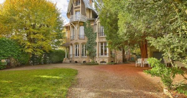 historical-villa-for-sale-golden-triangle-saint-cloud-wooded-land-study-library-full-basement