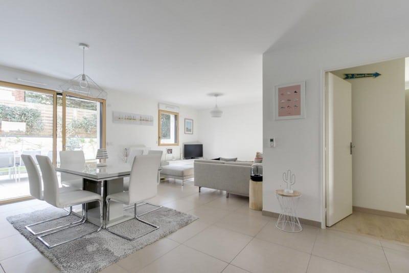 beautiful-apartment-mint-condition-for-sale-quiet-area-tourgeville-terrasse-garden-parking