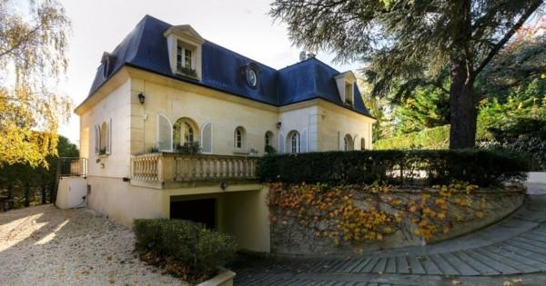 maison-mansart-a-vendre-la-celle-saint-cloud-materiaux-nobles-sous-sol-garage-caves