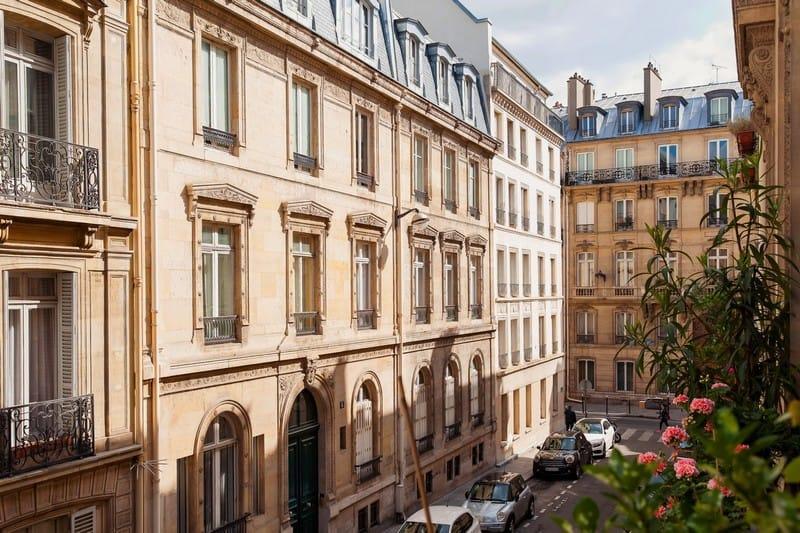 appartement-somptueux-a-vendre-bureau-buanderie-double-cave