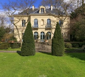 propriete-prestigieuse-xixe-siecle-a-vendre-croissy-sur-seine-parc-arbore-vaste-terrasse-salle-sport-garage