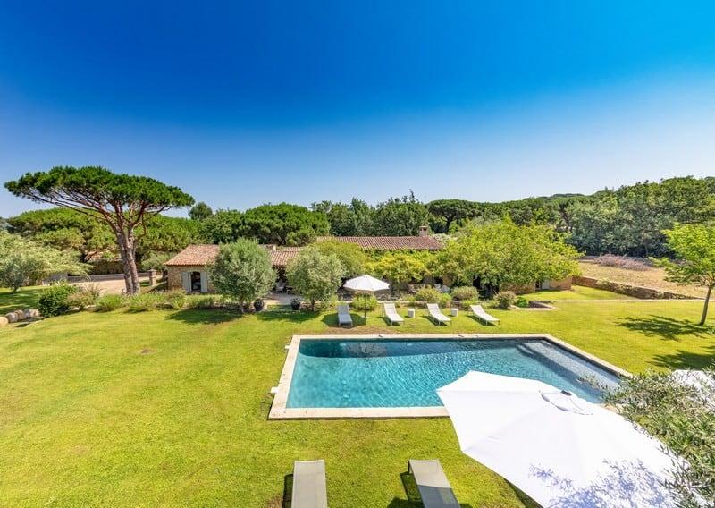 splendid-property-for-sale-ramatuelle-beaches-pampelonne-escalet-large-terrace-beautiful-swimming-pool-double-garage