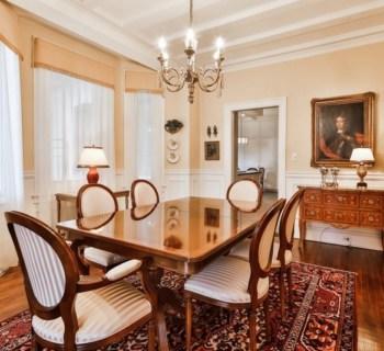 tres-bel-appartement-completement-renove-a-vendre-ville-marie-montreal-belle-terrasse-toit-superbe-vue