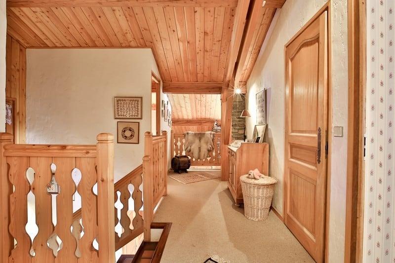 chalet-famille-a-vendre-les-pecles-cheminee-jardin-expose-sud-garage-double
