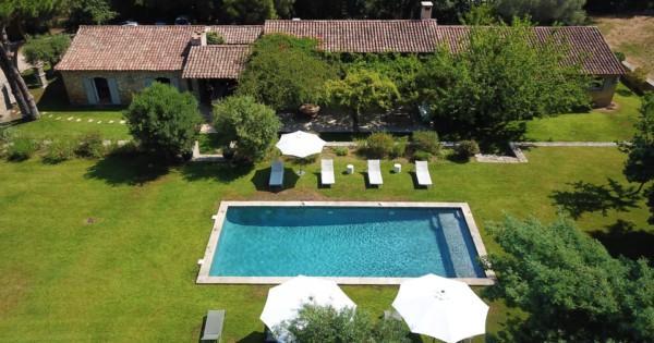 splendide-propriete-a-vendre-ramatuelle-pampelonne-escalet-grande-terrasse-belle-piscine-double-garage